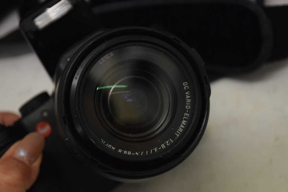 Leica V-Lux 1 - Image 3 of 4