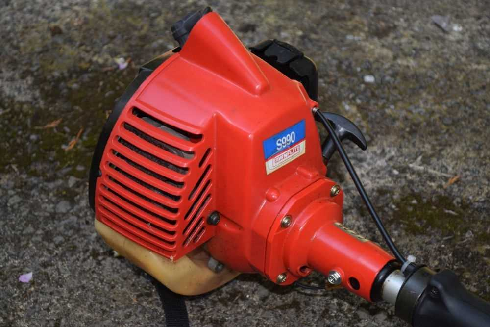 Petrol strimmer - 'Awnflite' - Image 2 of 4