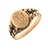 Yellow metal signet ring stamped 10k