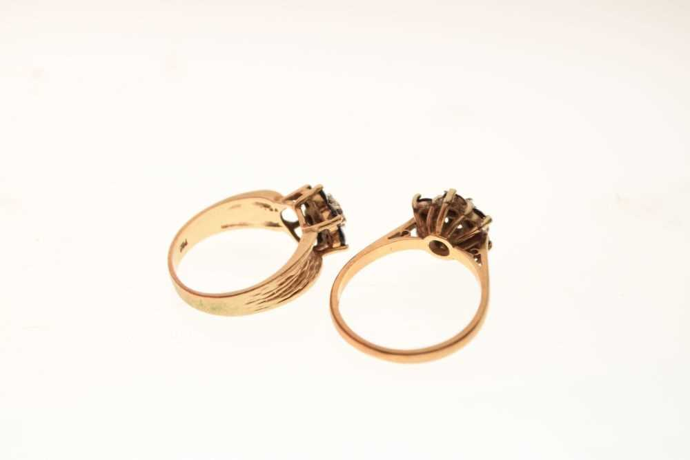 Two 9ct gold dress rings - Image 4 of 5