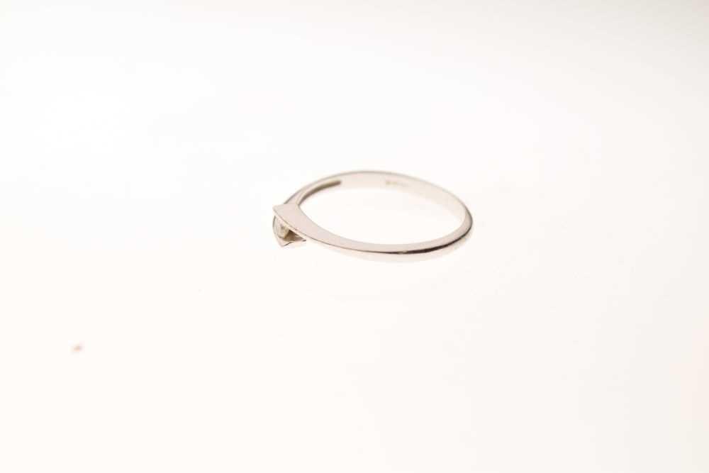 9ct white gold single stone ring - Image 3 of 6