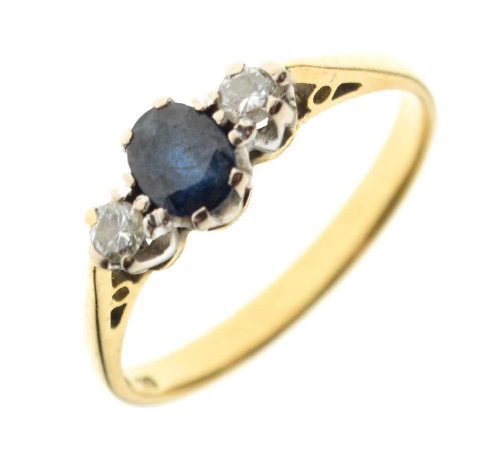 18ct gold three-stone ring