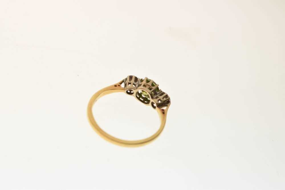Three stone dress ring - Image 4 of 5
