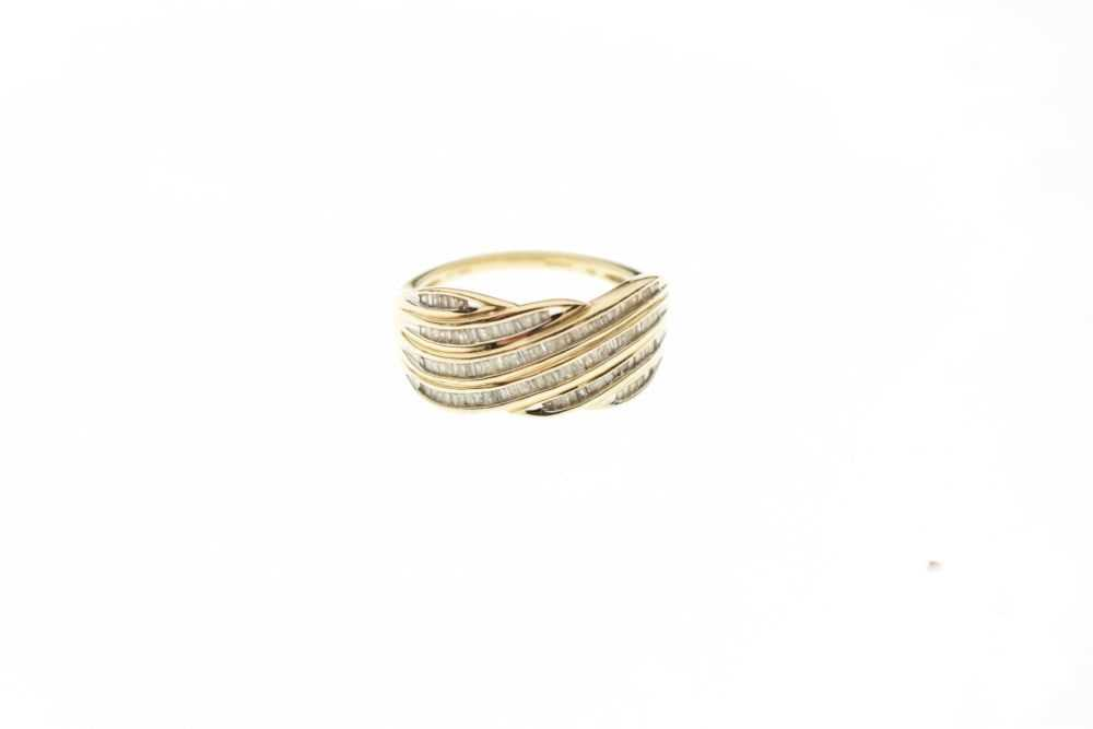 9ct gold and diamond ring - Image 2 of 6
