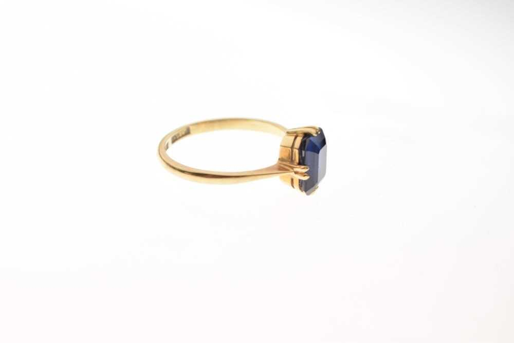 '18ct' yellow metal and synthetic sapphire ring, - Image 4 of 5