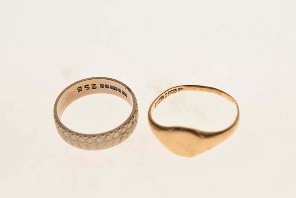 Two 9ct gold rings - Image 3 of 3