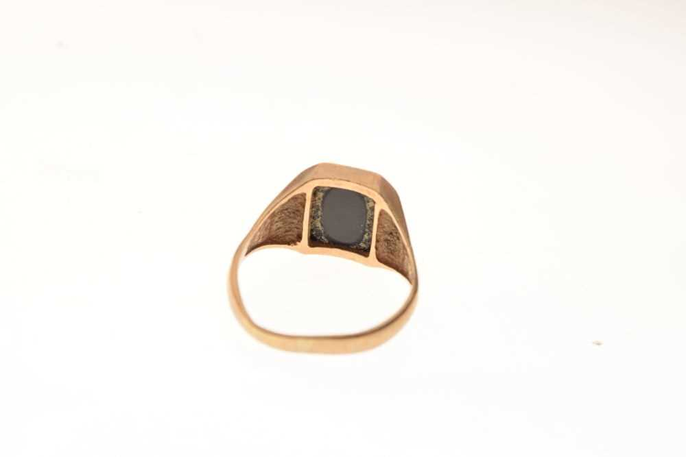 9ct gold onyx signet ring - Image 4 of 6