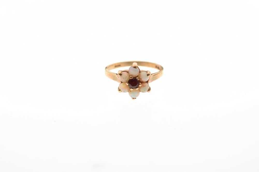 9-carat gold red stone and opal cluster ring, 2.4g - Image 2 of 6