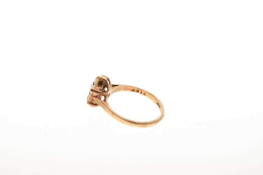 9-carat gold red stone and opal cluster ring, 2.4g - Image 4 of 6