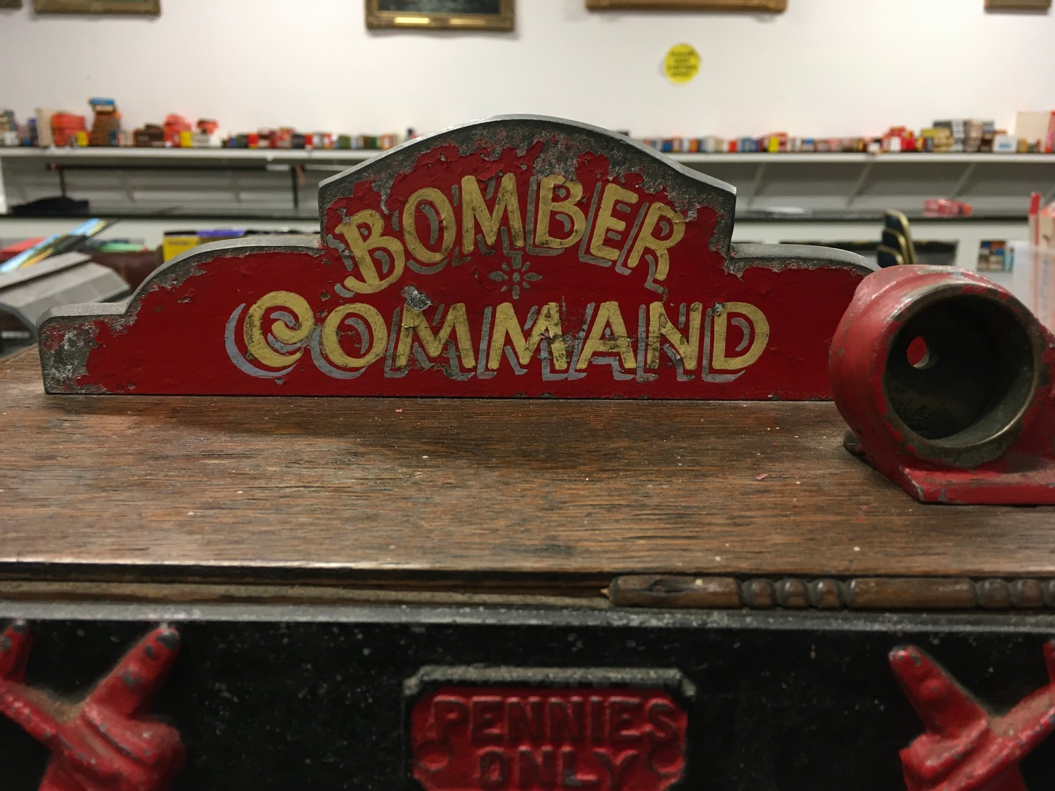 Bomber Command Slot Machine. Works on 1d coin. Mills Mechanism. - Image 5 of 8