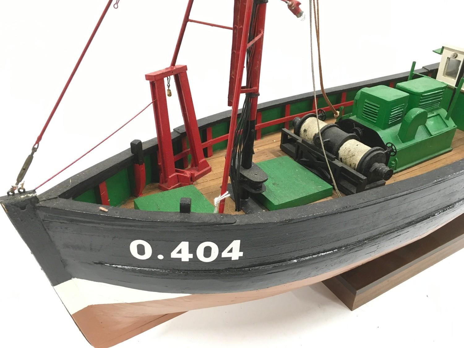 Wooden model of a boat. - Image 2 of 3