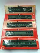 5 x Rivarossi Southern Crescent Coaches. All generally appear Good in Fair Plus boxes.