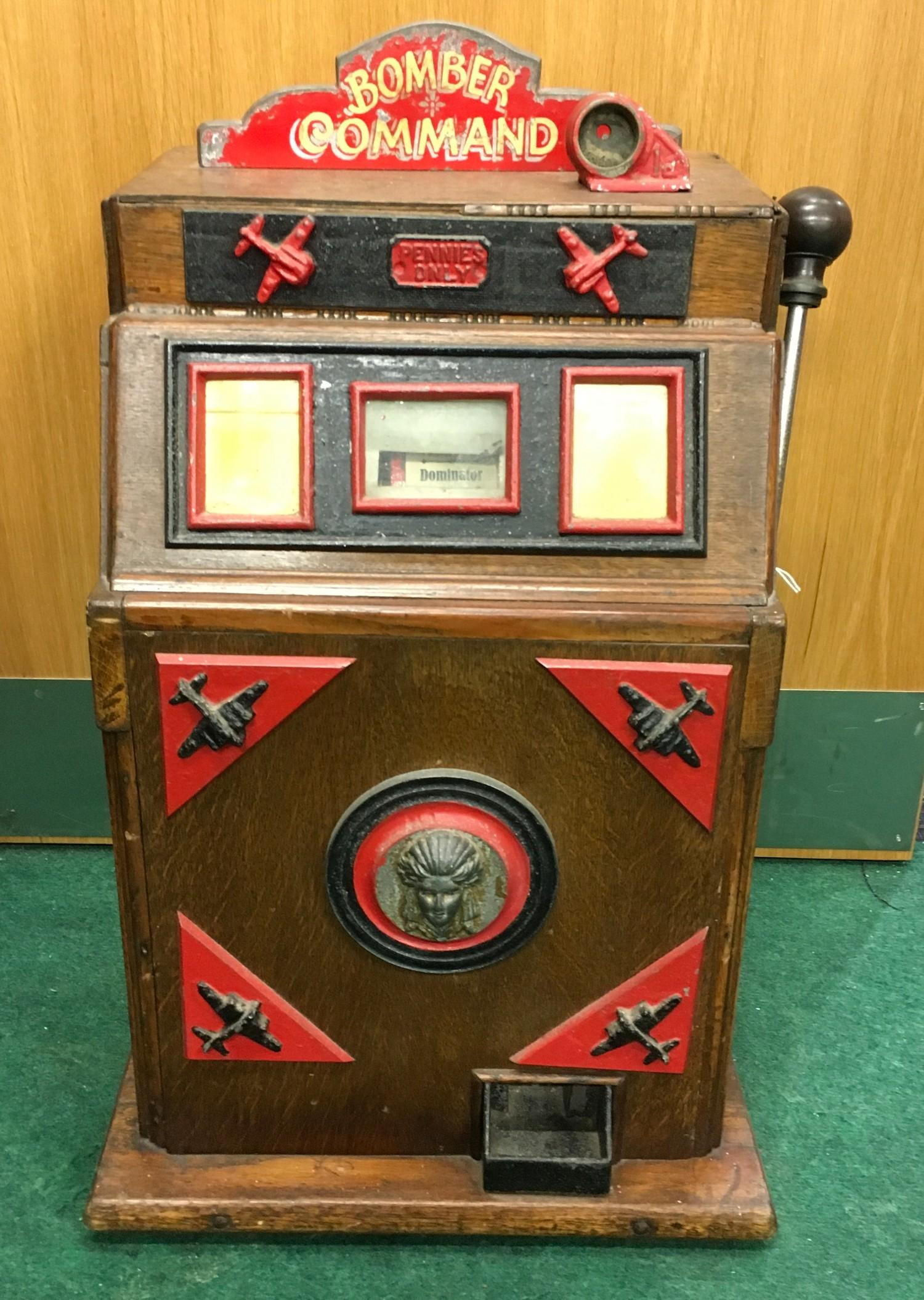 Bomber Command Slot Machine. Works on 1d coin. Mills Mechanism.