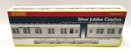 Hornby R4168 Silver Jubilee Coach Pack. Appears Mint in Good Plus Boxes and Good Plus outer card.