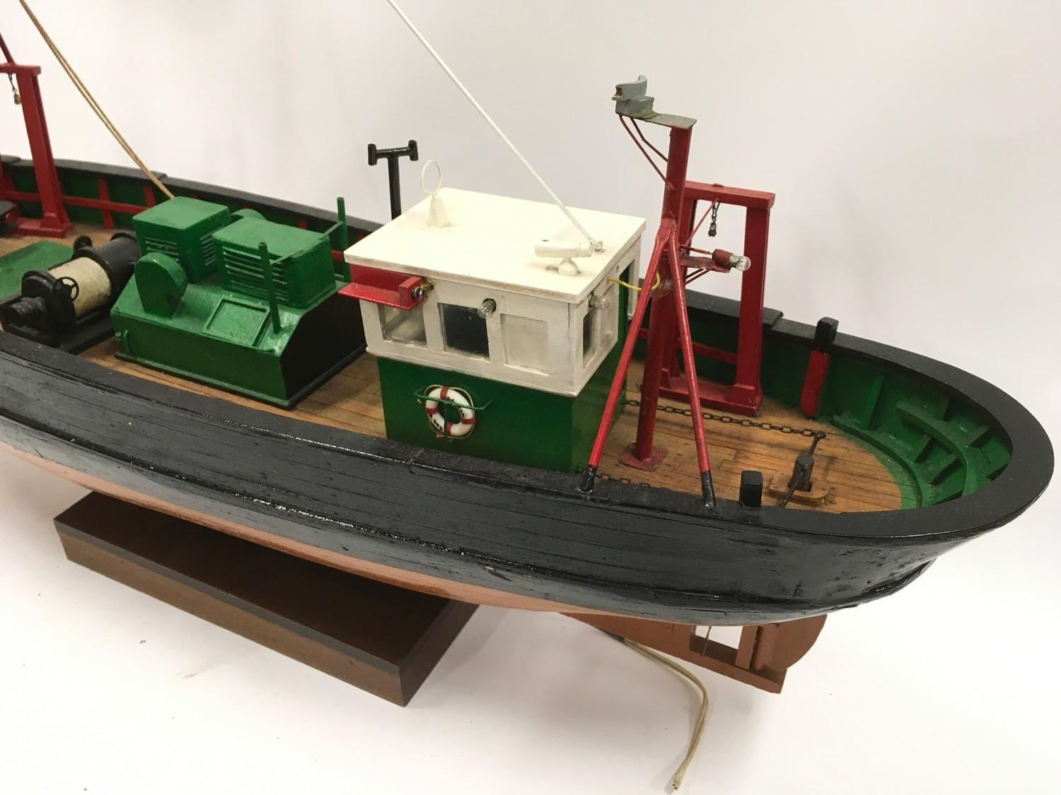 Wooden model of a boat. - Image 3 of 3