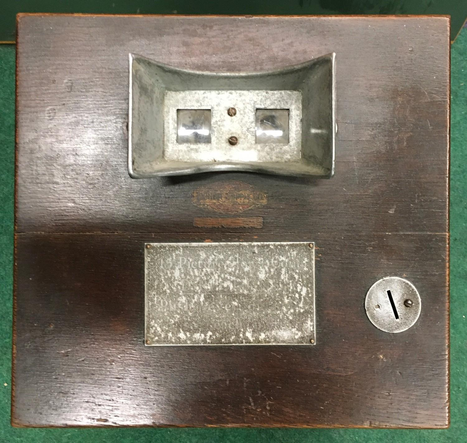Edwardian counter top Picture Viewer in wood case. Coin operated. Works on old 6d coin or 1 cent. - Image 2 of 4