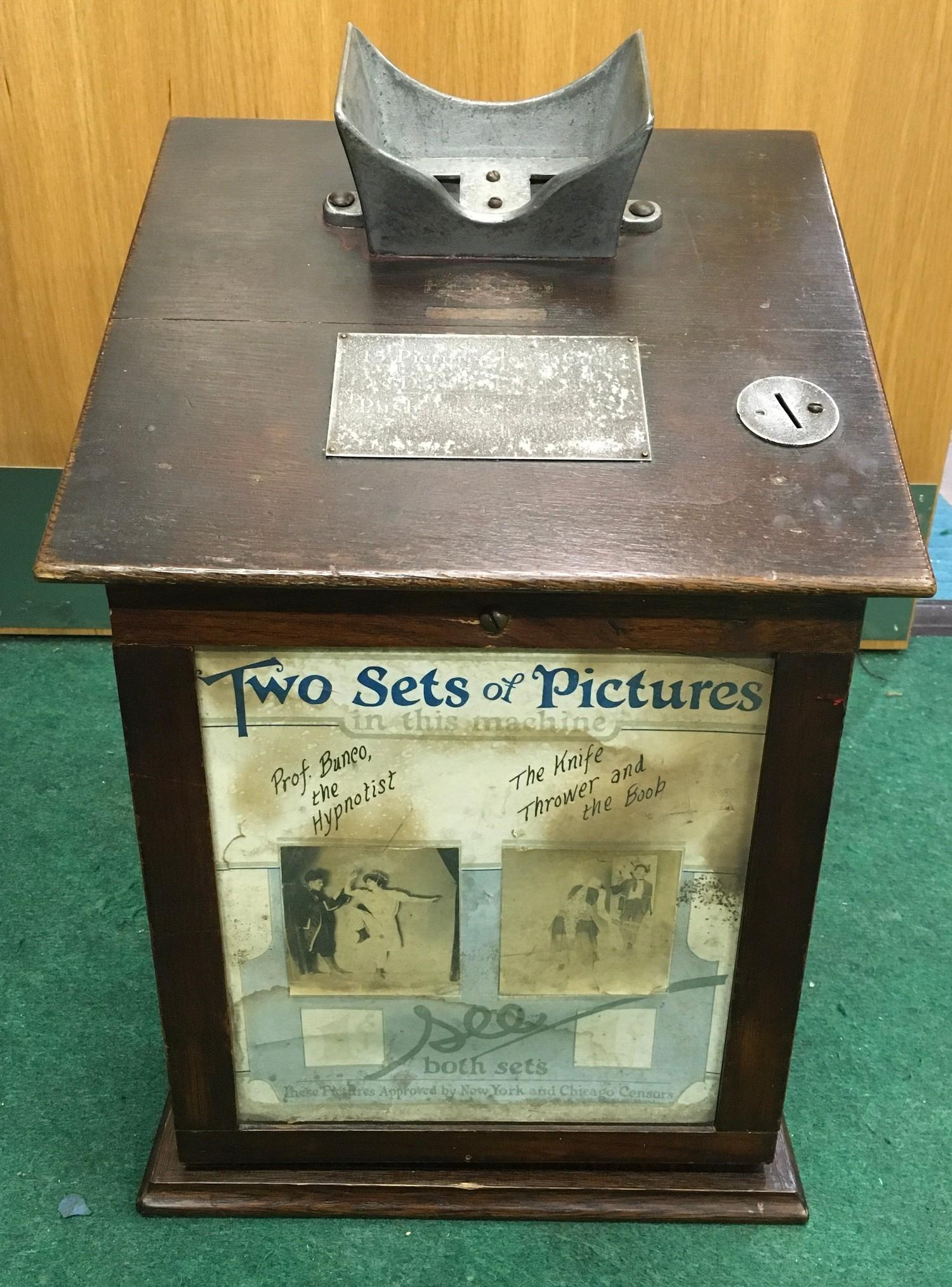 Edwardian counter top Picture Viewer in wood case. Coin operated. Works on old 6d coin or 1 cent.