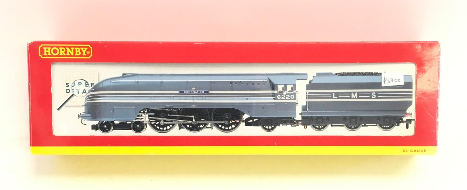 Hornby R2206 LMS 4-6-2 Coronation Class 6220 ?Coronation?. Appears Excellent in Good Plus box.