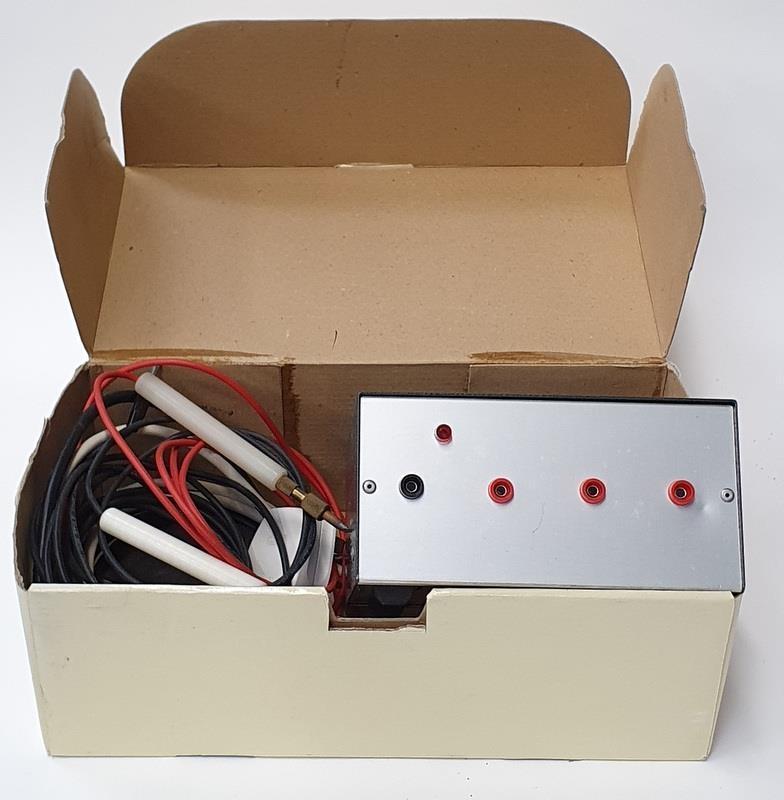 Resistance soldering iron.