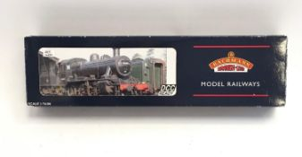 Bachmann 32-830 Ivatt Class 2 2-6-0 6402 LMS Black. Appears Excellent in Good box.