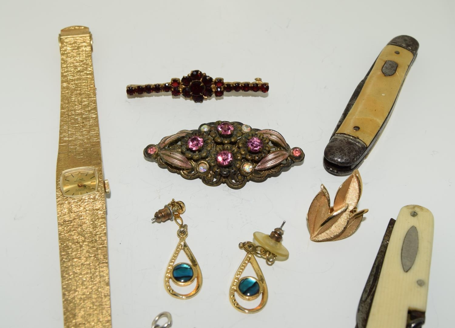 Misc jewellery to include a boxed garnet brooch - Image 2 of 3