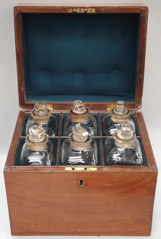 Chemist boxed bottle set for six specimen types 28x23.5x23cm