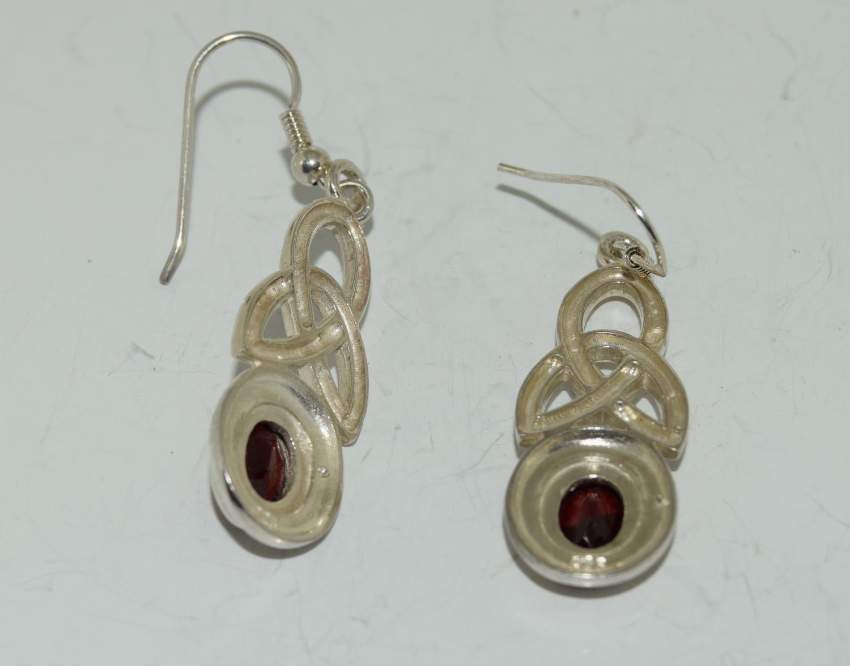 Large Celtic designed Garnet drop 925 silver earrings. - Image 3 of 3