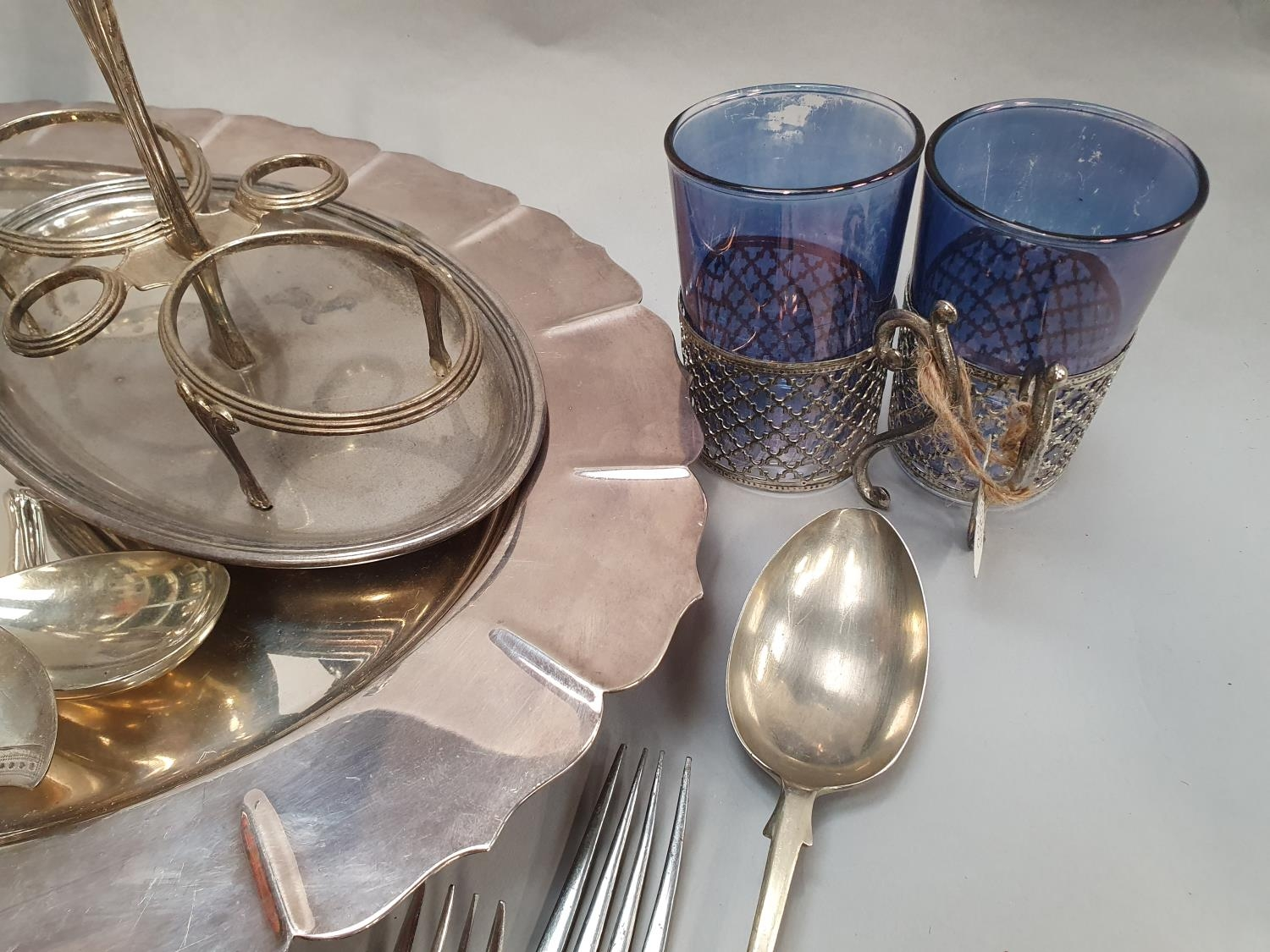 A collection of silver and silver plate. - Image 4 of 7