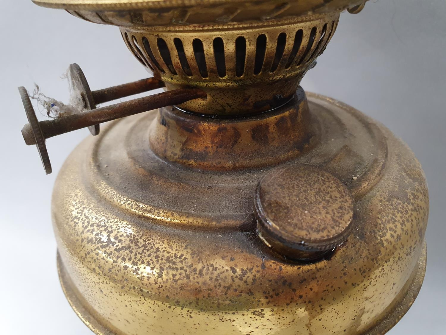 Brass oil lamp with flue and pheasant globe. - Image 5 of 7