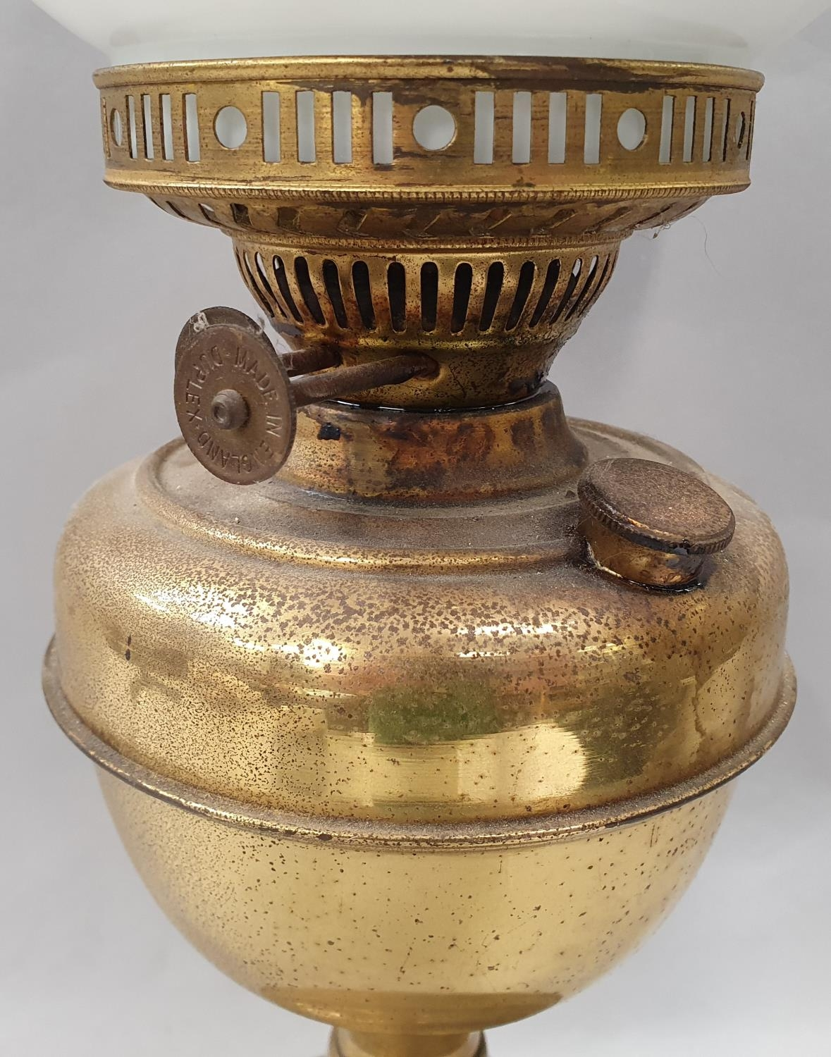 Brass oil lamp with flue and pheasant globe. - Image 3 of 7