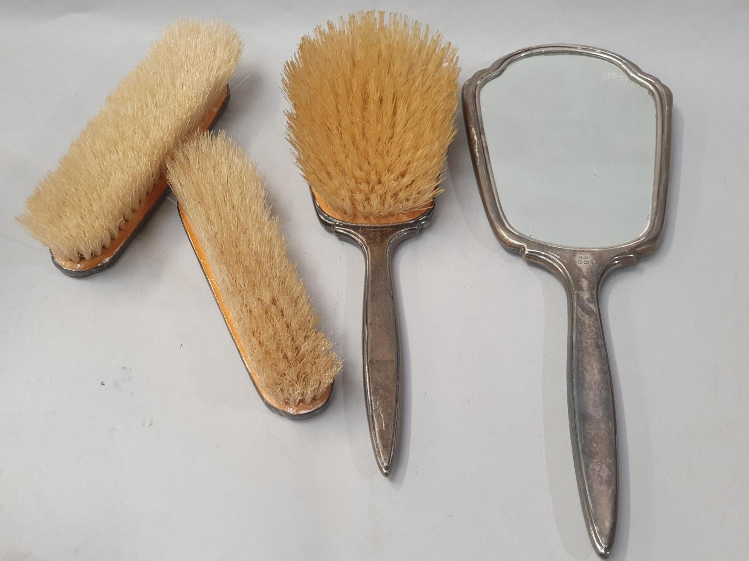 Collection of silver dressing table brushes. - Image 2 of 4
