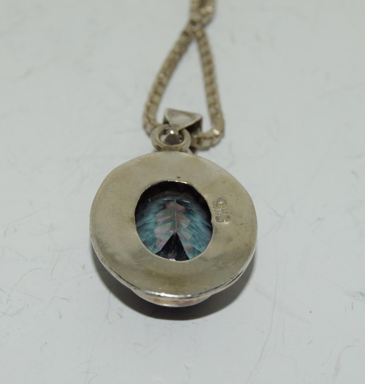 A large vintage mystic Topaz 925 silver pendant. - Image 3 of 3