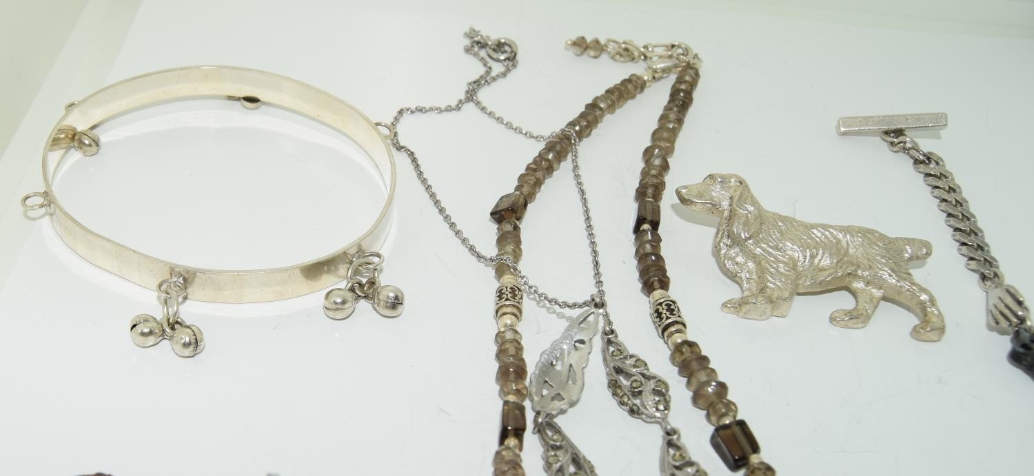 Interesting qty of silver and other jewellery to include a bracelet ,necklace , locket amber set - Image 6 of 6