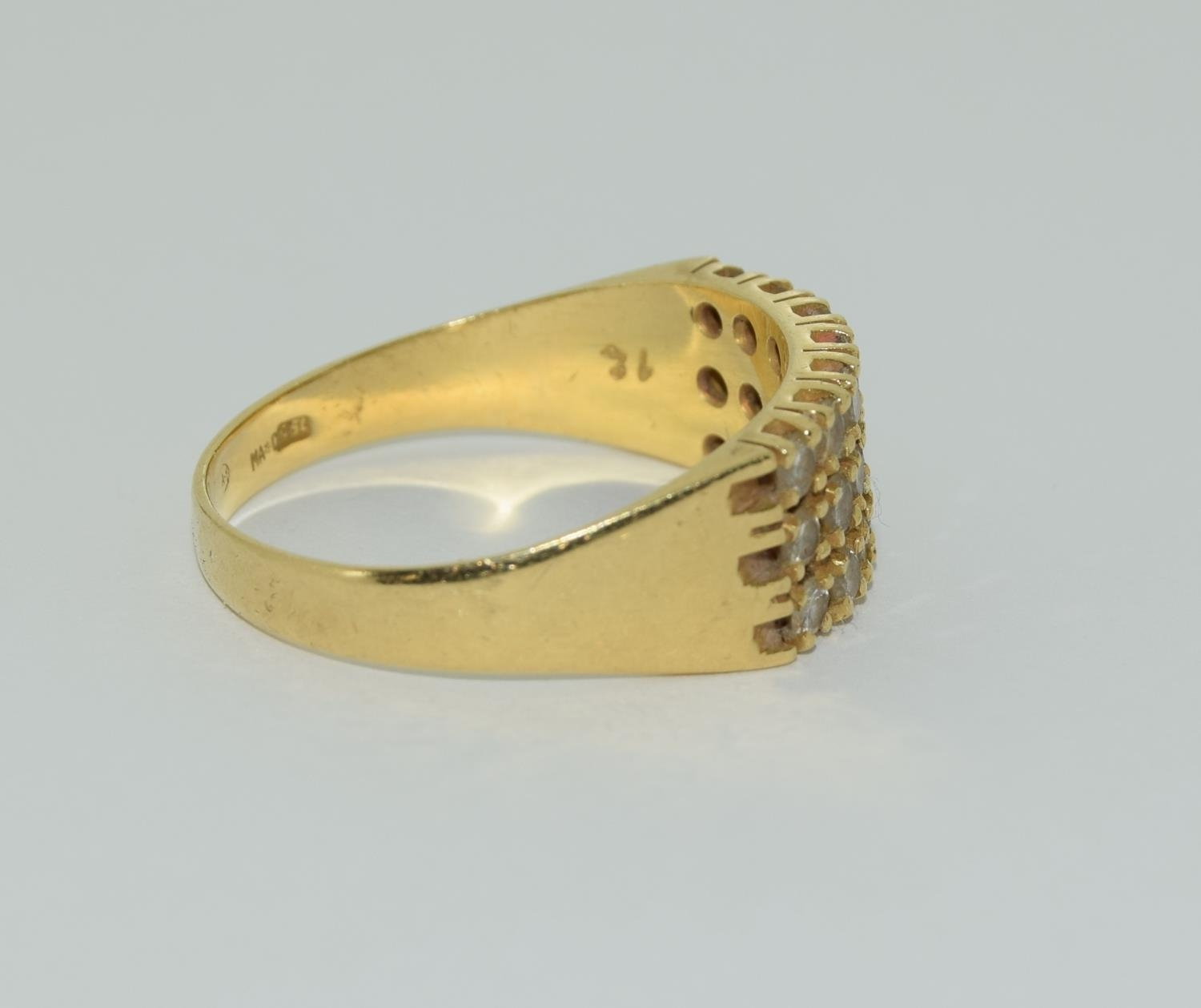 A Heavy 0.75ct three row diamond and 18ct yellow gold ring. 5.1 grams, Size R - Image 2 of 6