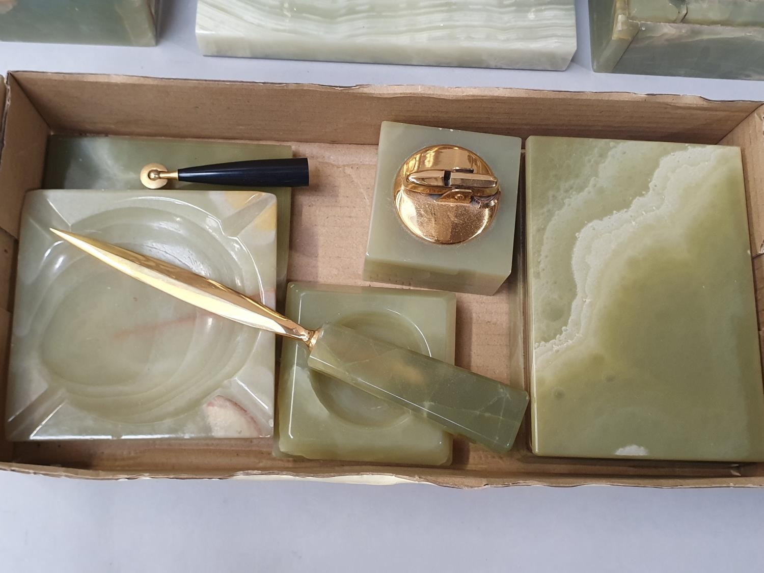 Collection of onyx items including garnitures. - Image 2 of 4