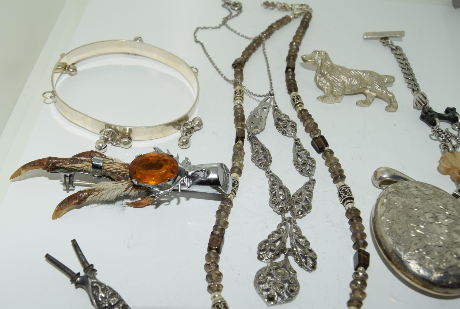 Interesting qty of silver and other jewellery to include a bracelet ,necklace , locket amber set - Image 5 of 6