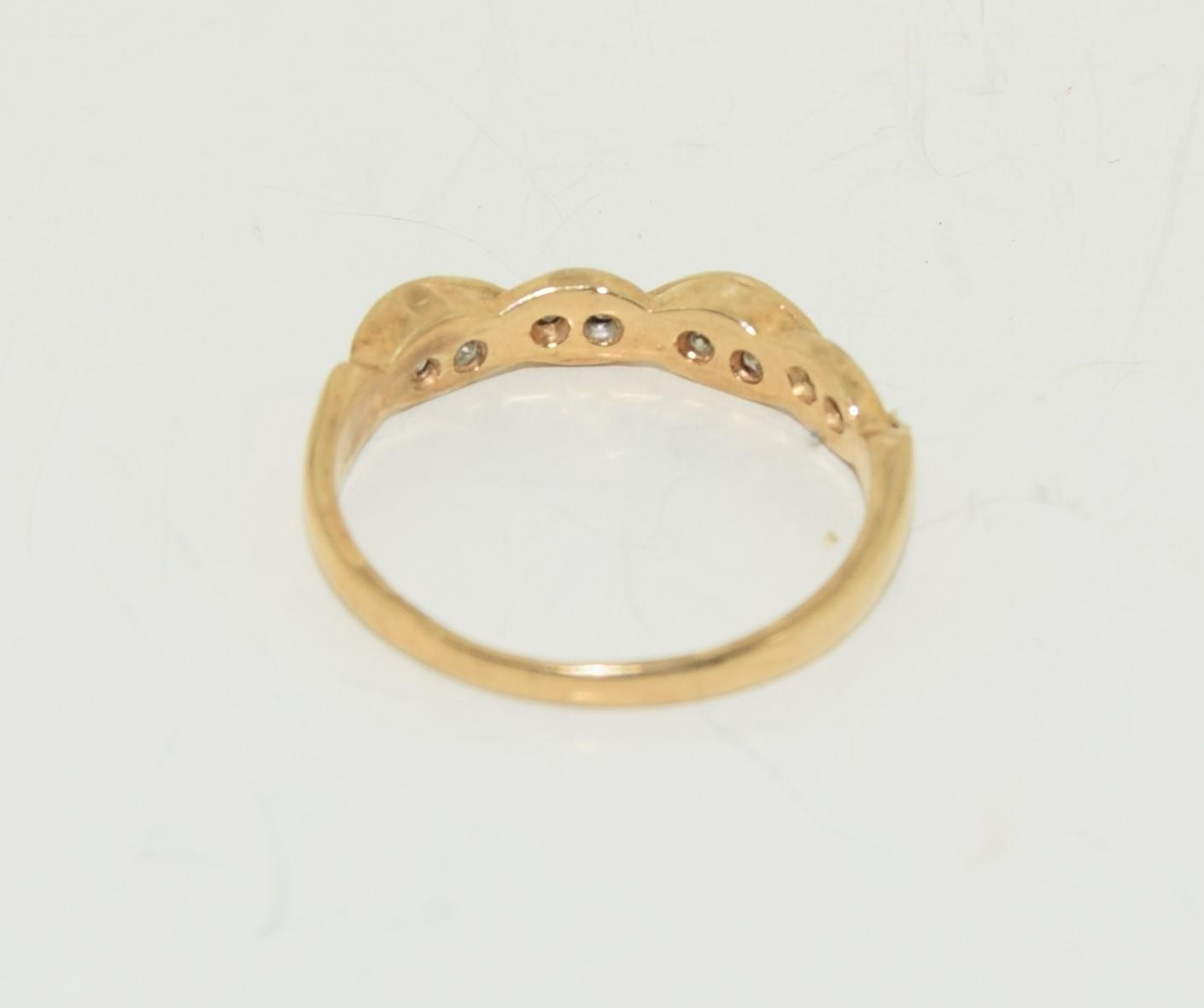 9ct gold half eternity ring. Size K - Image 3 of 3