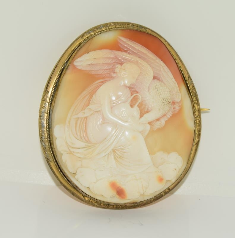 Large Victorian cameo broach finely carved