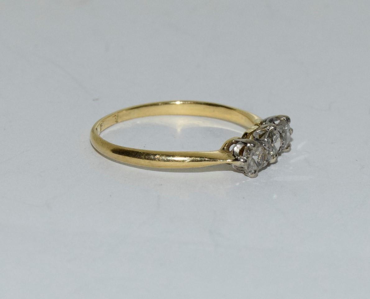 Diamond three stone 18ct gold ring Size L + - Image 5 of 6