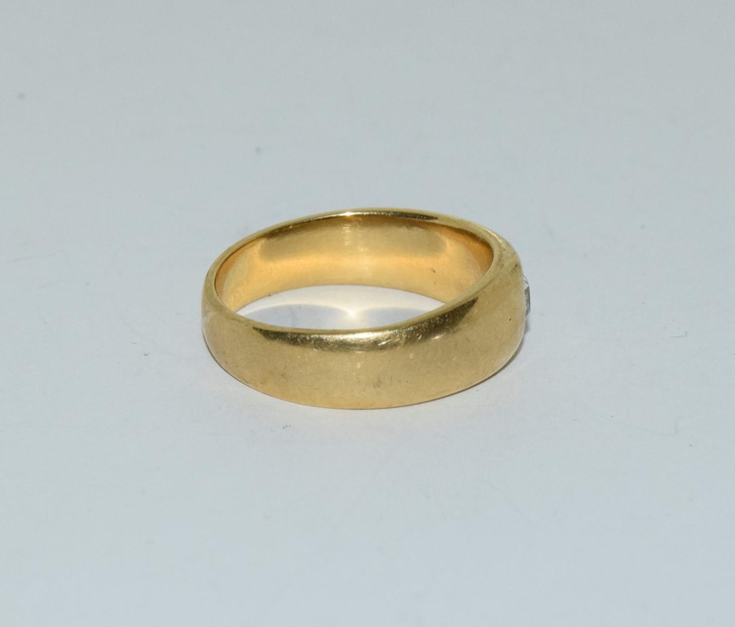 18ct gold mans signet ring set with diamond solitaire of approx 0.25ct size R 9.5gm - Image 2 of 6