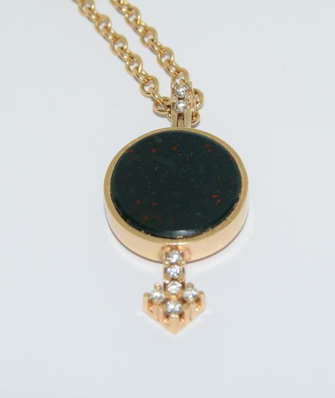 14ct gold h/m pendant and neck chain inset with diamonds 14gm - Image 3 of 5