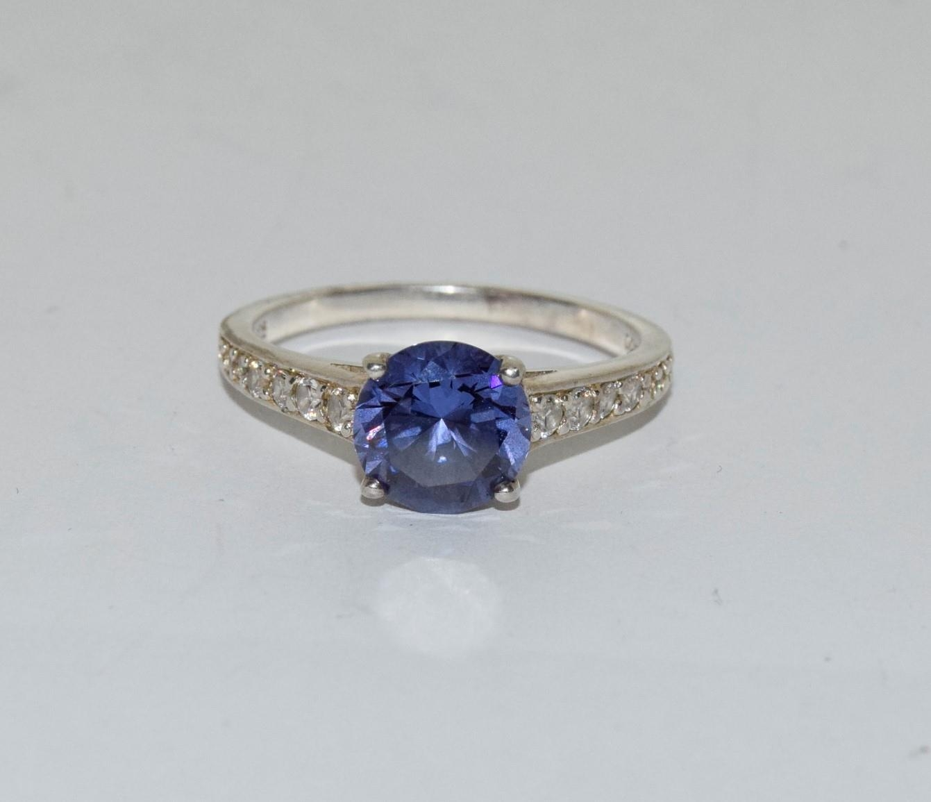 A Blue stone silver 925 ring, size R
