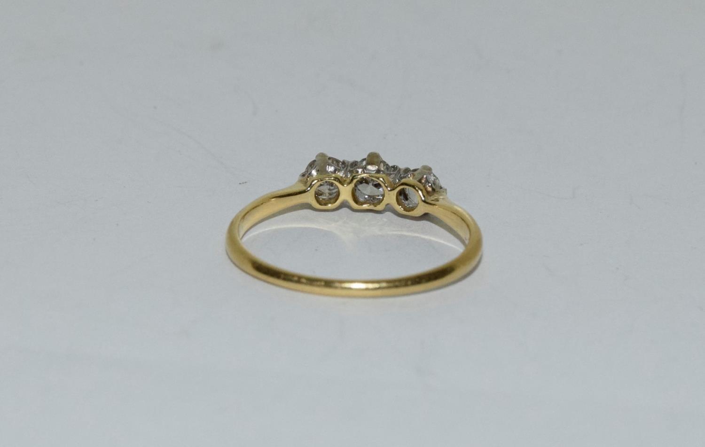 Diamond three stone 18ct gold ring Size L + - Image 3 of 6