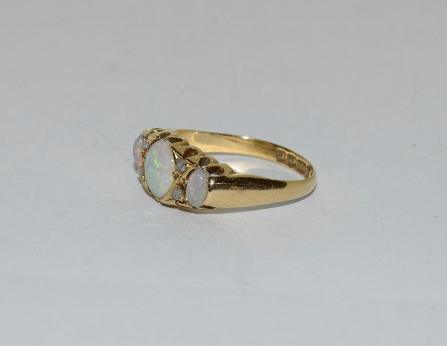Antique 18ct gold opal/diamond boxed ring, Size P - Image 4 of 6
