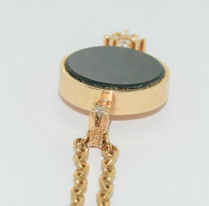 14ct gold h/m pendant and neck chain inset with diamonds 14gm - Image 4 of 5