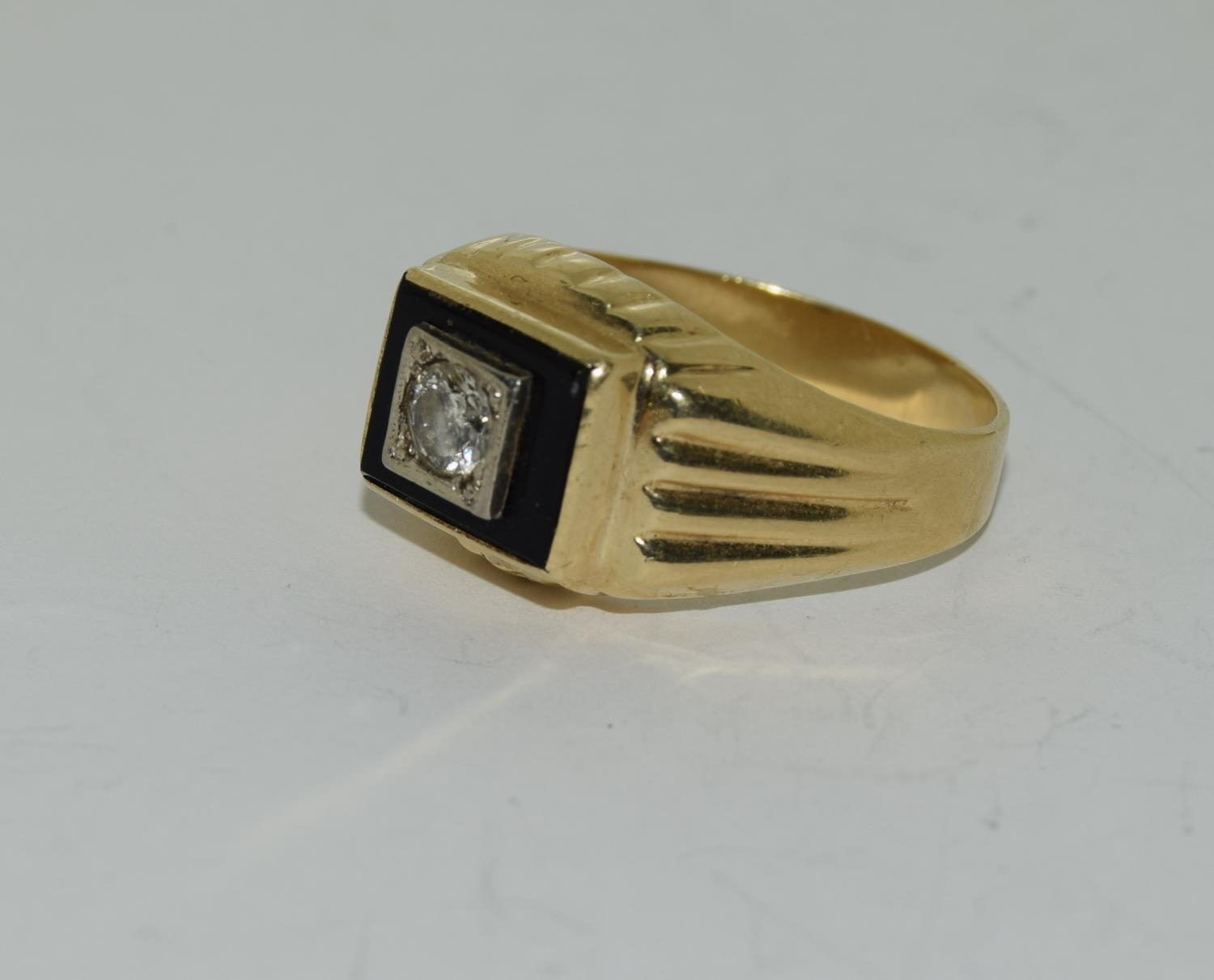 14ct gold gents onyx set with diamond approx 0.33ct signet ring size S - Image 4 of 6