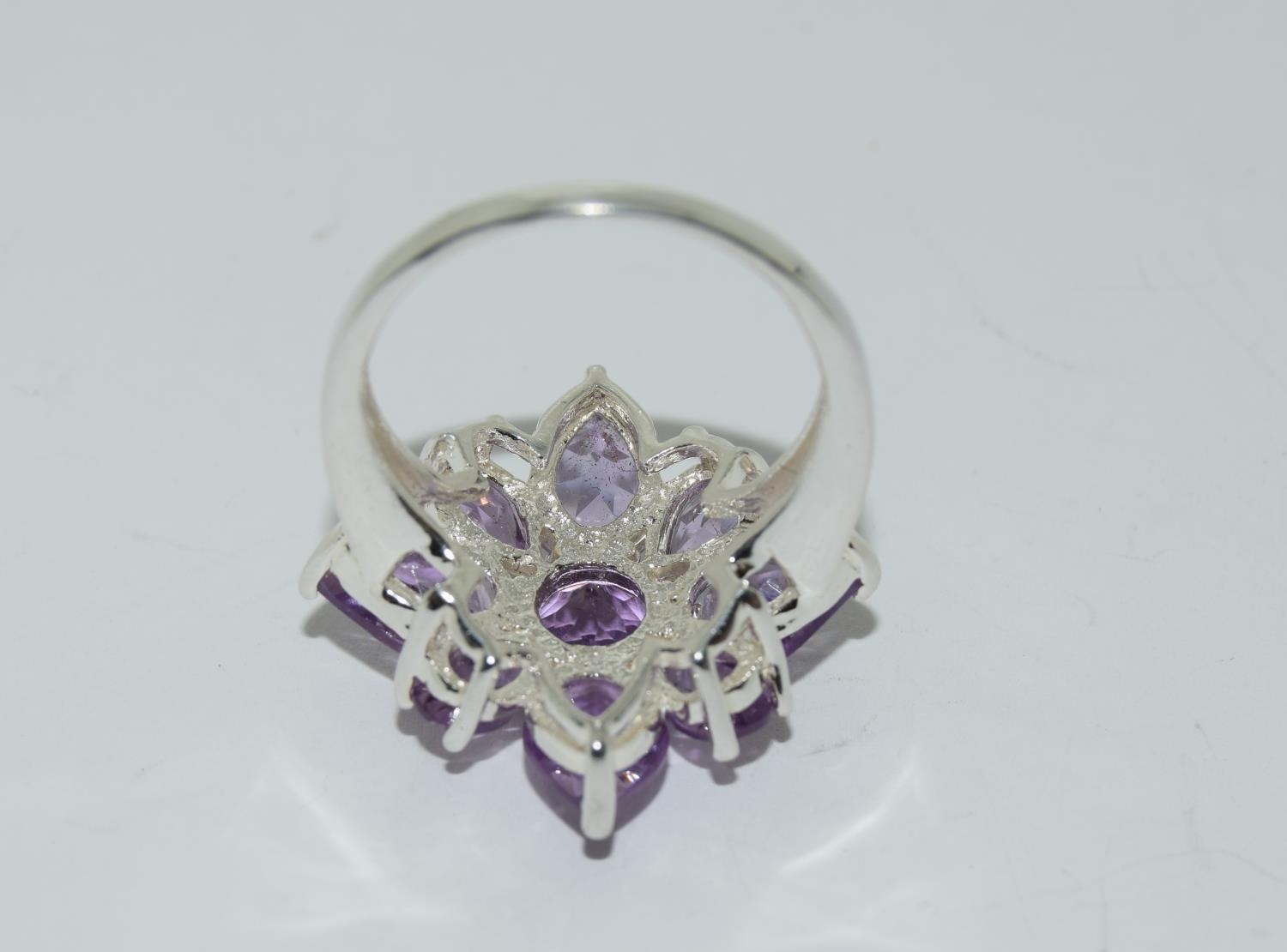 Large Amethyst 925 silver daisy cluster ring, Size P. - Image 3 of 3
