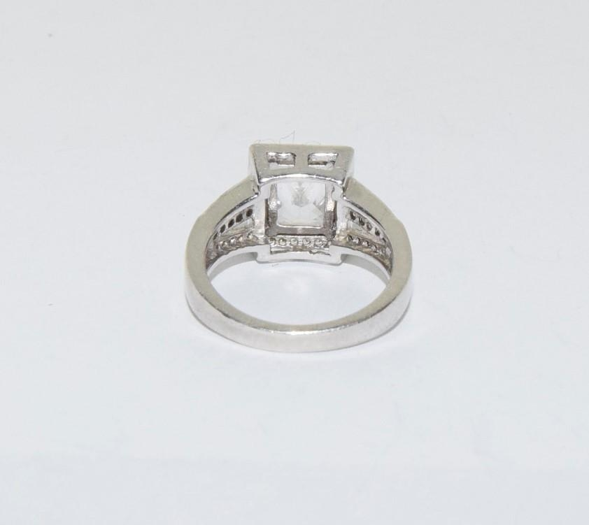 A pretty Art Deco style silver ring, Size K - Image 3 of 3