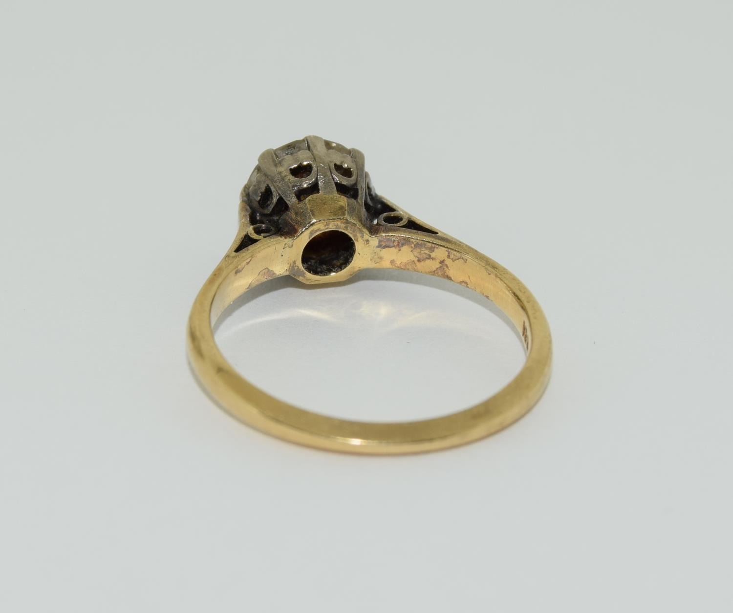 An 18ct gold ladies diamond solitaire ring approx 1.5ct, Size M. - Image 3 of 6