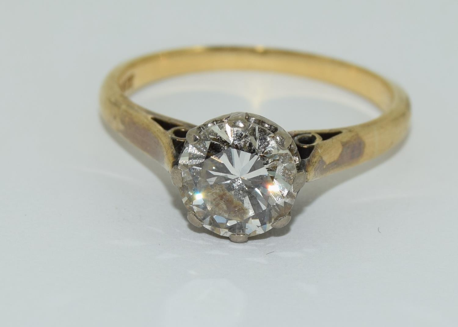 An 18ct gold ladies diamond solitaire ring approx 1.5ct, Size M. - Image 6 of 6